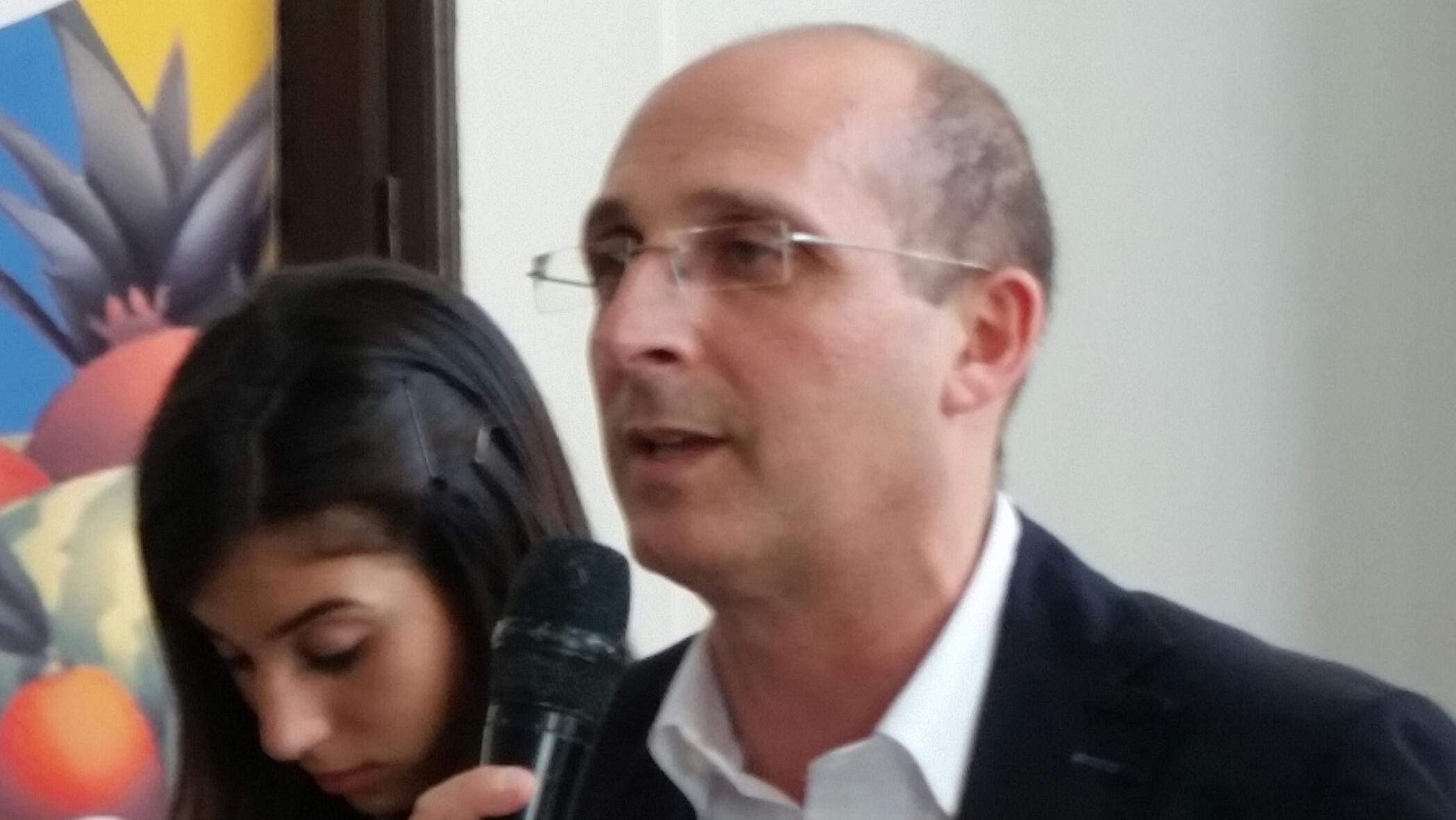 Alberto Firenze incontra gli studenti a Palermo e Trapani. Convocata una conferenza di servizio.