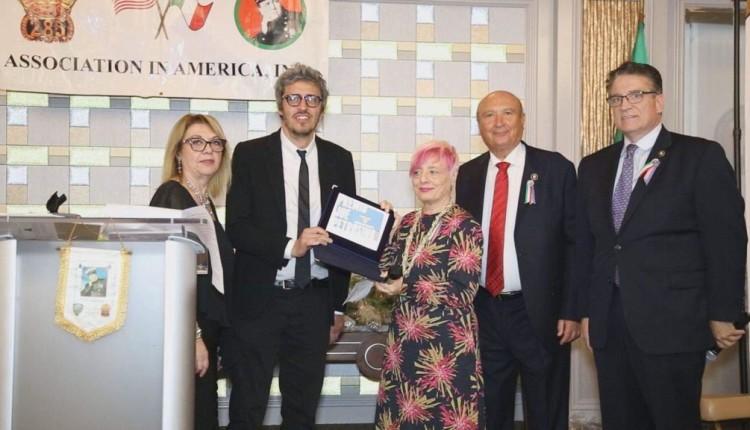 Premio Joe Petrosino Sicilia consegnato, a New York, all'artista palermitano PIF