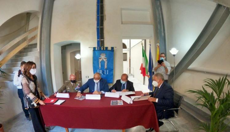 Residenze universitarie: firmati i protocolli per la gestione di 50 posti letto all'Albergheria e la convenzione tra Esercito italiano e assessorato regionale dell'Istruzione in favore degli studenti universitari in Sicilia.